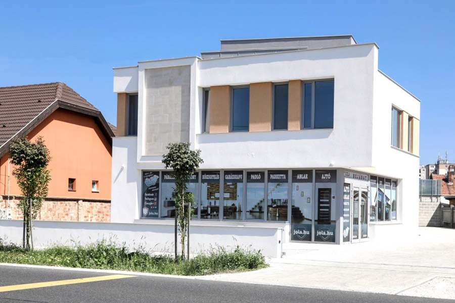 JOLA Mosonmagyaróvári üzlet külső