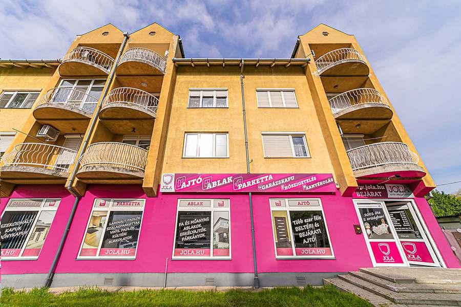 JOLA Nyíregyházai üzlet külső