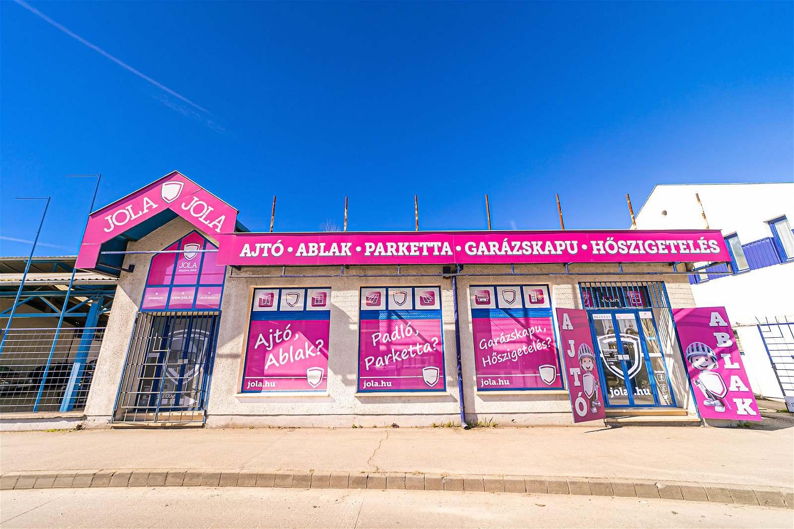 JOLA Pécsi üzlet külső