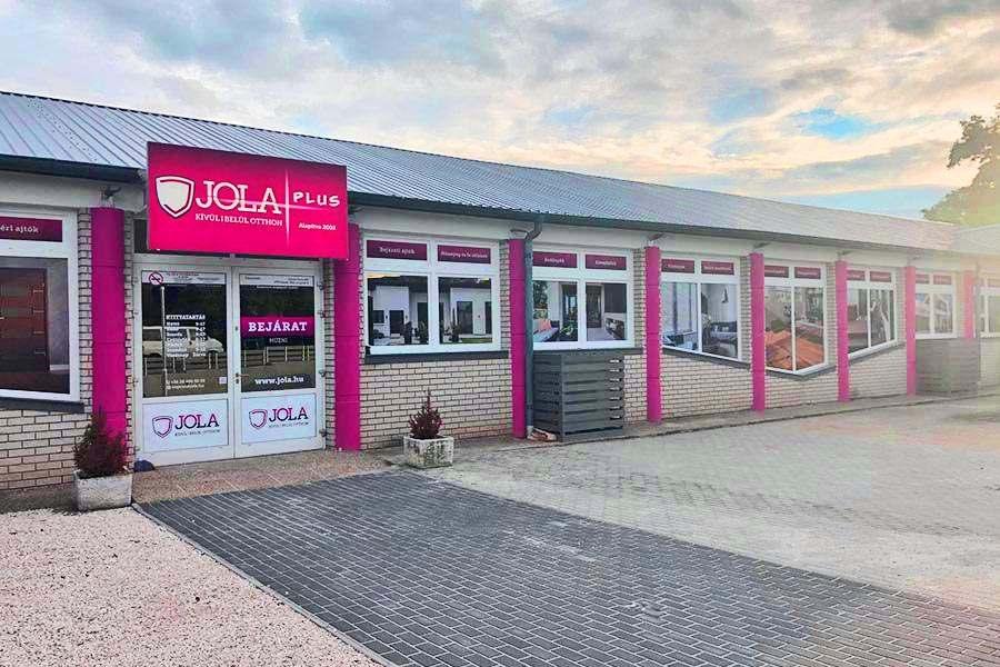 JOLA Soproni üzlet külső