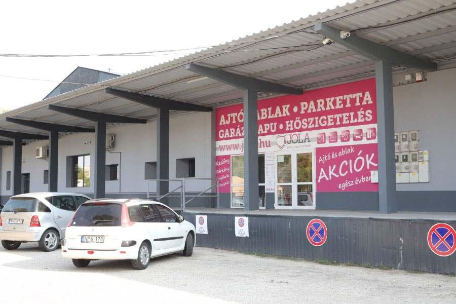 JOLA Tatabányai üzlet külső