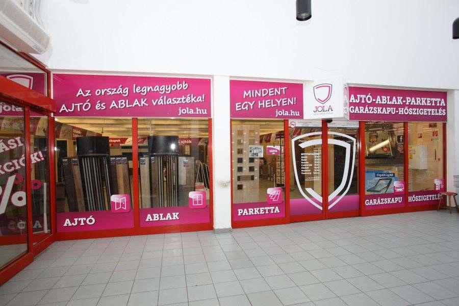 JOLA Veszprémi üzlet külső